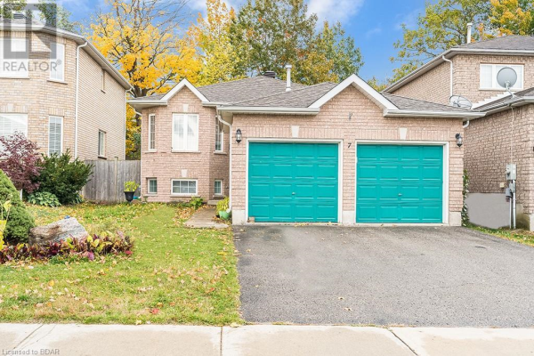 7 MASTERS Drive, Barrie