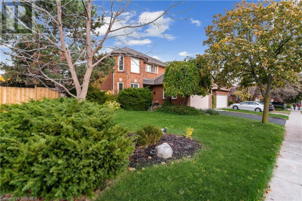 1369 SIR DAVID Drive, Oakville