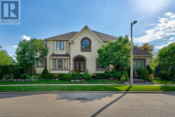 1082 SHELTERED OAK Court, Oakville