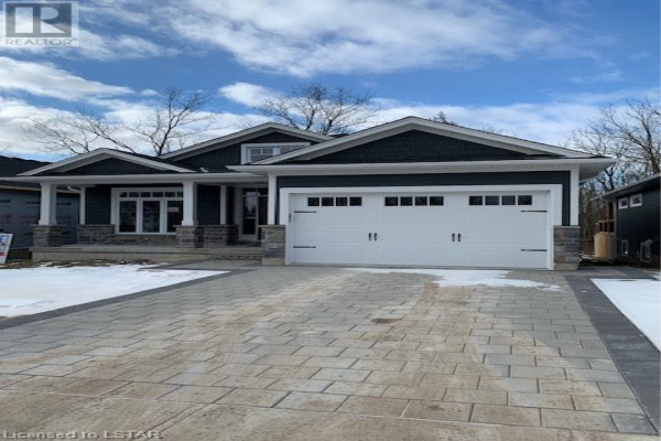 5 CREEK SIDE Place, Grand Bend