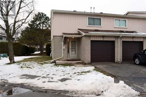 51 PAULANDER Drive Unit# 65, Kitchener