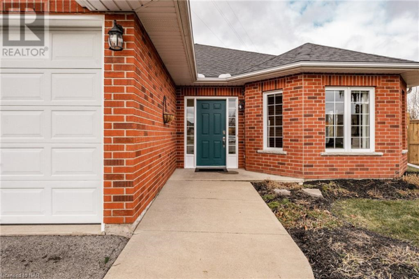 303 ST. LAWRENCE Drive, Welland