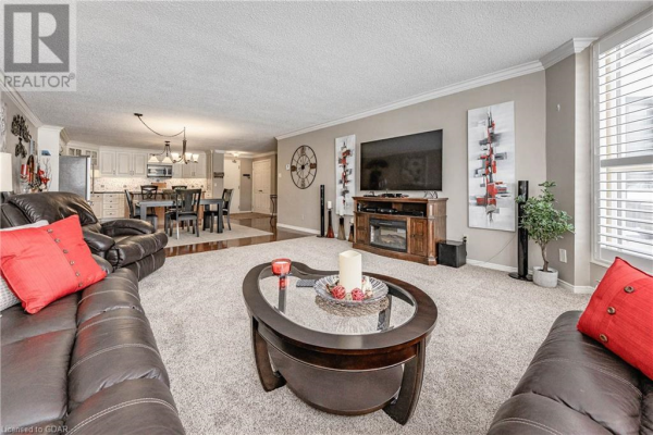 24 MARILYN Drive Unit# 102, Guelph