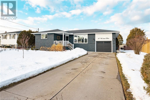 14 WOODCREST Drive, Grimsby