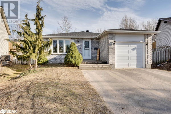 134 HICKLING Trail, Barrie