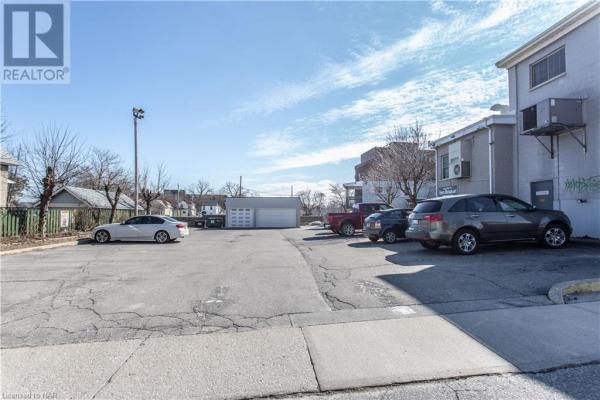 135-137 QUEENSTON Street, St. Catharines