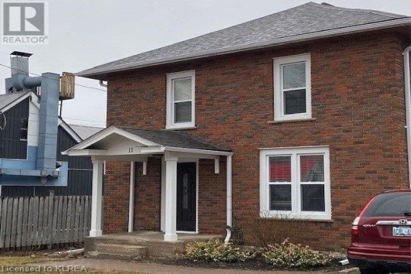 11 KING STREET, Bobcaygeon