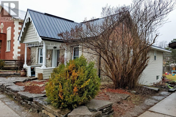 57 FRONT Street S, Campbellford