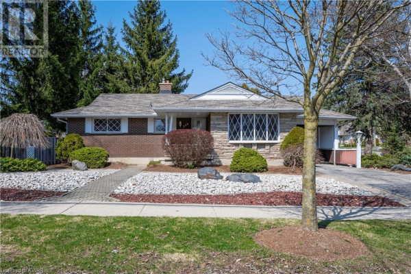 236 FOREST HILL Drive, Kitchener