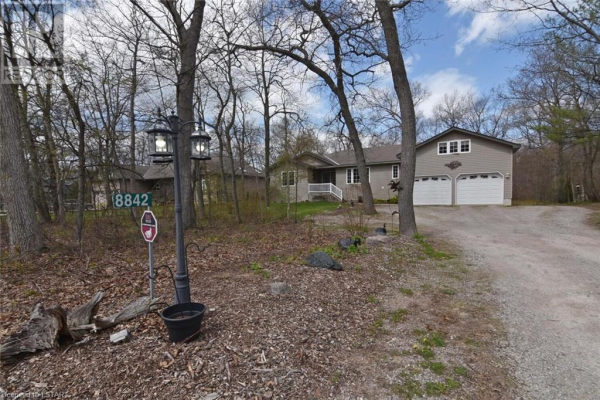 8842 TIMBERWOOD Trail, Lambton Shores