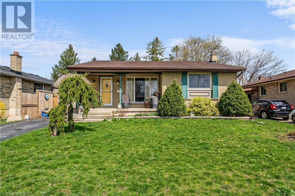 32 MELBOURNE Crescent, Brantford