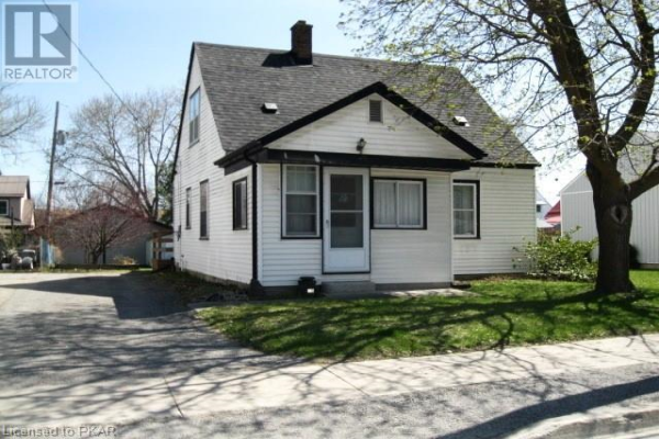 135 CENTRE Street, Campbellford
