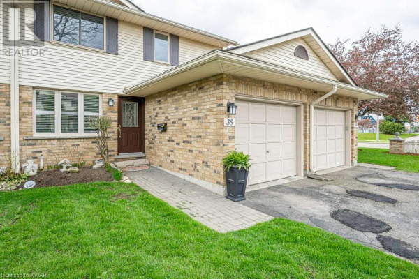 375 KINGSCOURT Drive Unit# 35, Waterloo