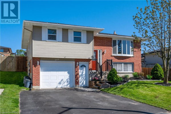 259 THE COUNTRY WAY, Kitchener