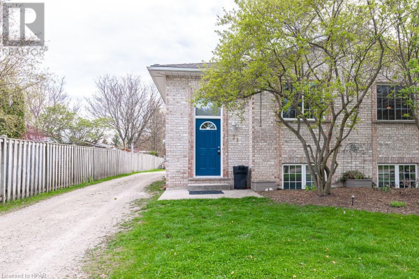 21 CAMPBELL Court, Stratford