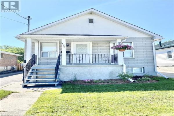 1177 HAMMOND Street, North Bay
