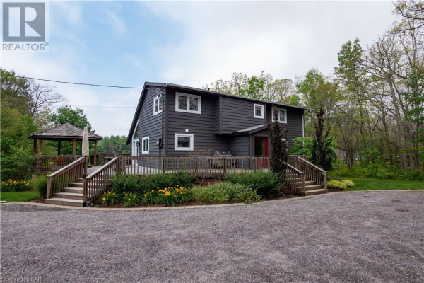 400 LAKEVIEW Drive, Port Severn
