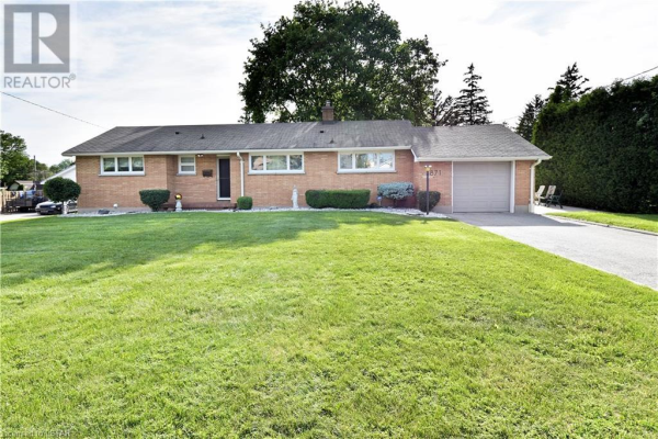 871 WILLOW Drive, London