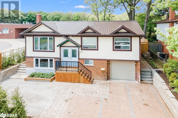 70 CUNDLES Road E, Barrie