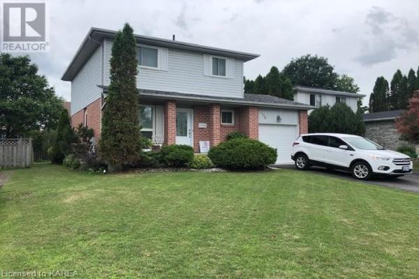 698 CEDARWOOD Drive, Kingston