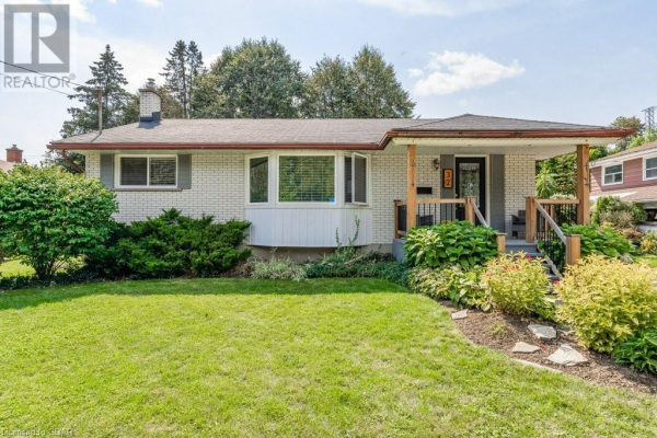 32 LONSDALE Drive, Guelph