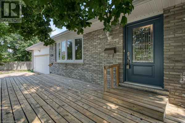 1067 CANFIELD Crescent, Woodstock