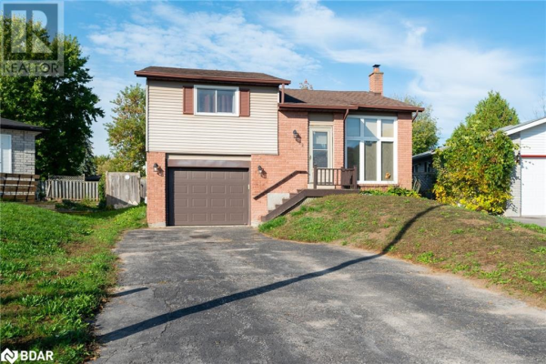 122 HICKLING Trail, Barrie