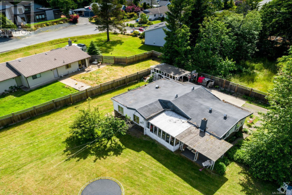 806 Wright Rd, Parksville