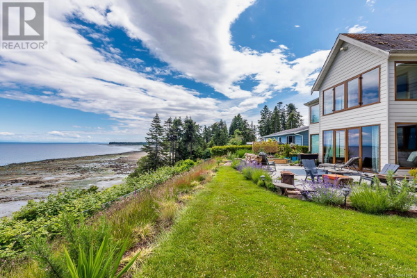4085 Island Hwy S, Campbell River