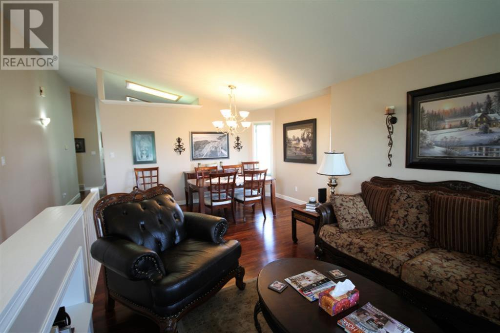 Listing A1039398 - Large Photo # 18