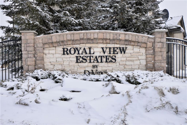 233 Royal Crest View NW, Calgary