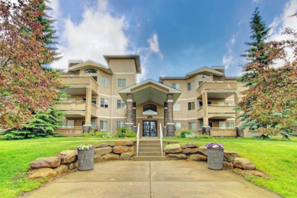 208, 20 Country Hills View NW, Calgary