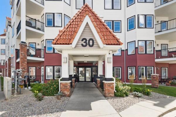 310, 30 Royal Oak Plaza NW, Calgary