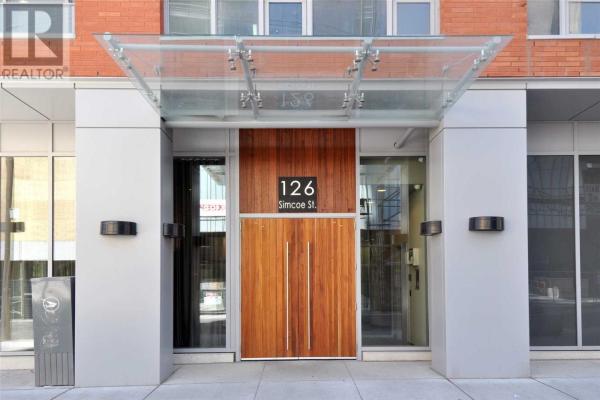 #2105 -126 SIMCOE ST, Toronto