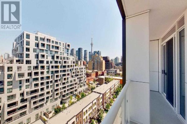 #910 -80 VANAULEY ST, Toronto