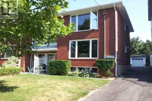 #UPPER -269 GLENFOREST RD, Toronto