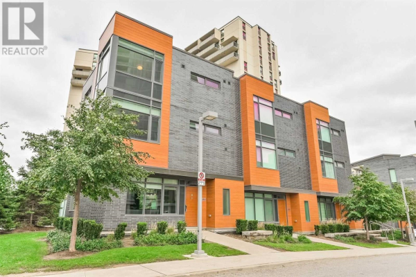 #3 -72 FOREST MANOR RD, Toronto