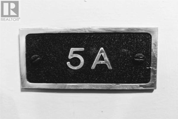 #5A -4 DEER PARK CRES, Toronto