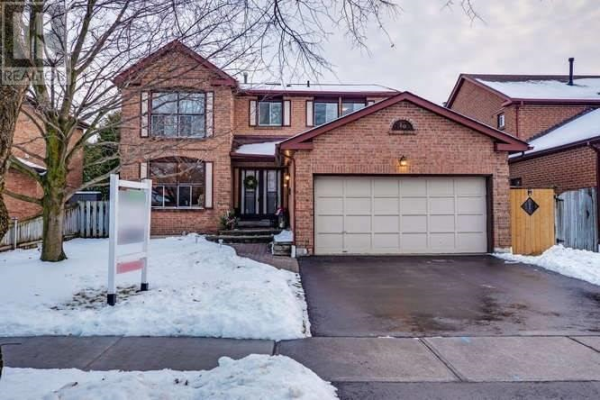 20 MAPLEWOOD DR, Whitby
