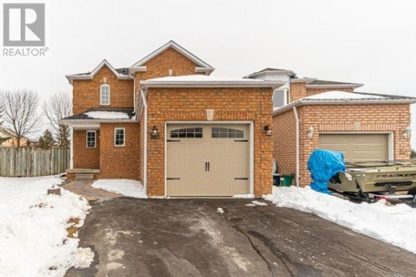52 STEELE VALLEY CRT, Whitby