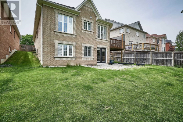 45 HELSTON CRES, Whitby
