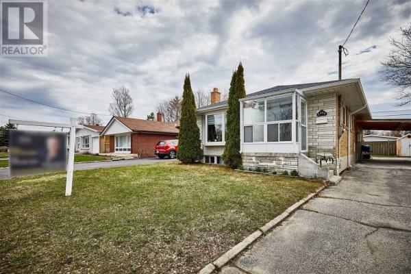 3265 LAWRENCE AVE E, Toronto