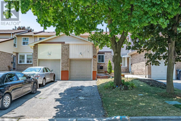 97 RED RIVER CRES, Toronto
