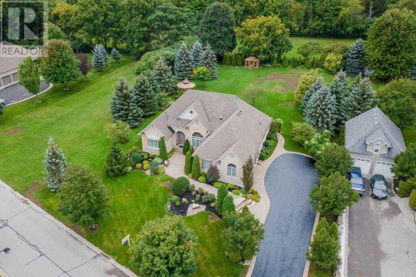 10 WILSON HOUSE DR, Whitby