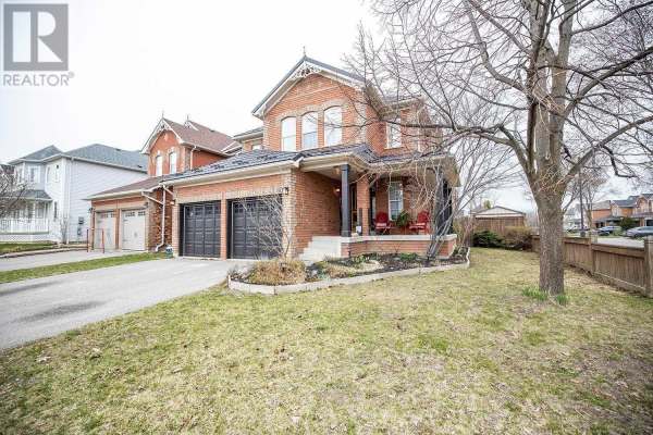 60 CARSON AVE, Whitby