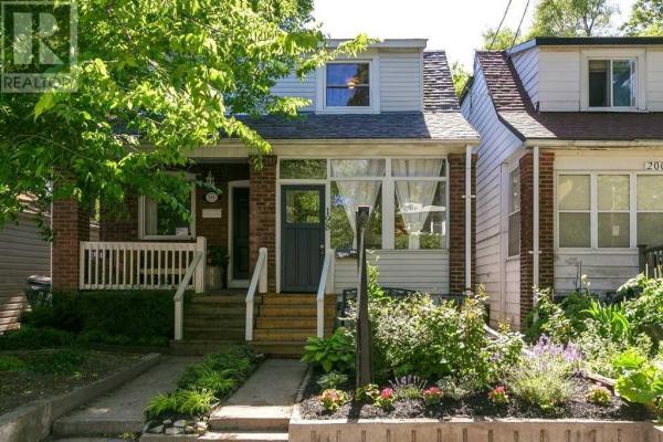 198 HIAWATHA RD, Toronto