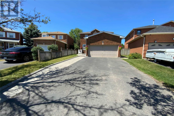 14 OLD COLONY DR, Whitby