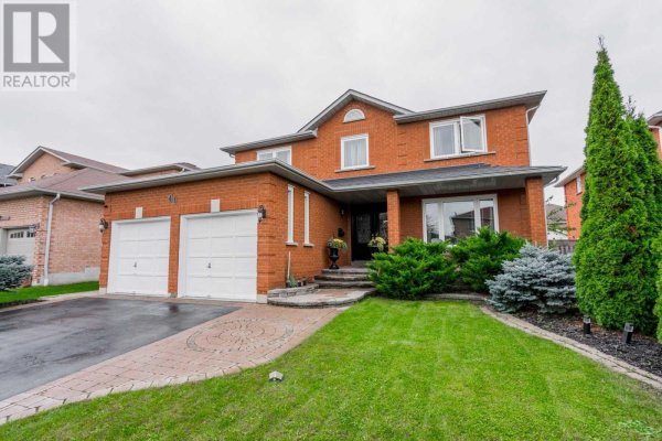 44 FALSTAFF CRES, Whitby