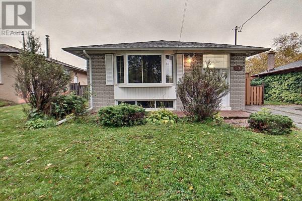 9 STONEHENGE CRES, Toronto