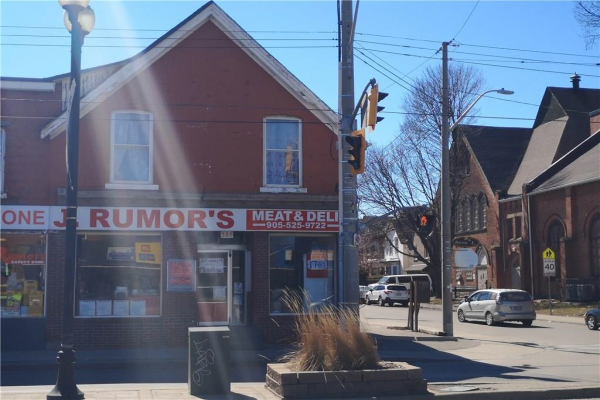 386 BARTON Street E, Hamilton